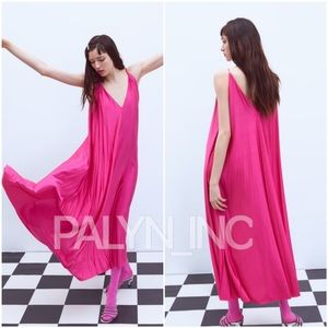 ❤️❤️ZARA NWT Fuchsia STRAPY SATIN PLEATED DRESS